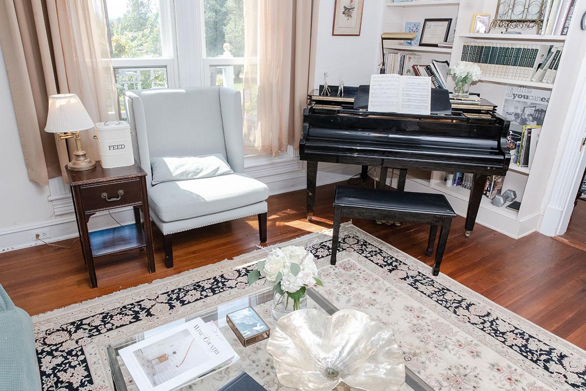 Inn living Room